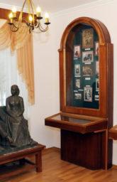Музей Ульянова. Копия Памятника Ульяновым. Скульптор - А. Фомин (1970)