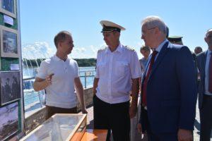 Торжественное мероприятие, посвящённое Дню Военно-Морского флота, состоялось на Фонтанной площади города Спутник в субботу, 26 июля 2020 года