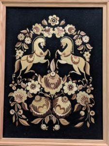 В Музее народного творчества начала работать выставка «Соломенные картины»