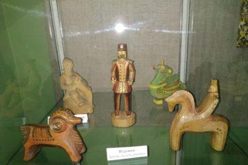 В музее народного творчества начала работать выставка изделий пензенской фабрики игрушек «Забавы из дерева»