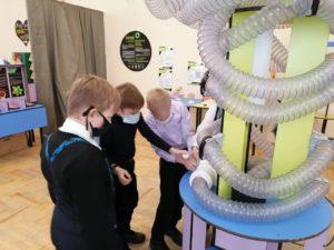 Интерактивная выставка «Внутри человека» помогает нашим юным посетителям понять, зачем нужно вести здоровый образ жизни, и как курение и другие вредные привычки влияют на наши внутренние органы