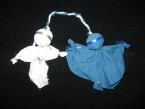 Тряпичная кукла – одна из наиболее узнаваемых народных игрушек – никогда не была в духовной культуре русской деревни исключительно предметом детской забавы