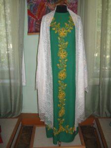 Платье с традиционной татарской вышивкой в музее народного творчества