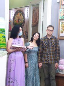Во Всероссийский День семьи, любви и верности в Музее народного творчества открылась выставка молодой, творческой семьи Польдяевых «Семейные традиции»