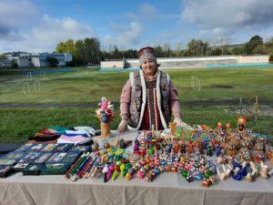 25 сентября на экологическом празднике «Зеленая Россия», который проходил в г. Кузнецк — 12 сотрудники Музея народного творчества представили выставку сувенирных изделий