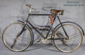 Велосипед из фондов Пензенского краеведческого музея, сделанный на заводе им. Фрунзе