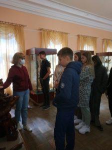 В музее народного творчества прошла экскурсия для учащихся школы «Академия Ростум»