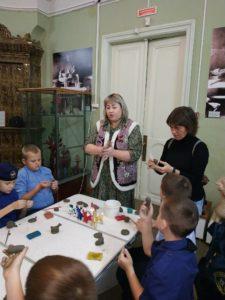 Ученики начальных классов Кадетской школы по делам ГОЧС №70 приняли участие в мастер-классе по керамике
