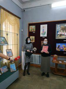 В Музее народного творчества открылась выставка творческих работ участников проекта «Дети войны» «Нам рано жить воспоминаниями», посвященная Дню пожилого человека, который ежегодно отмечается 1 октября